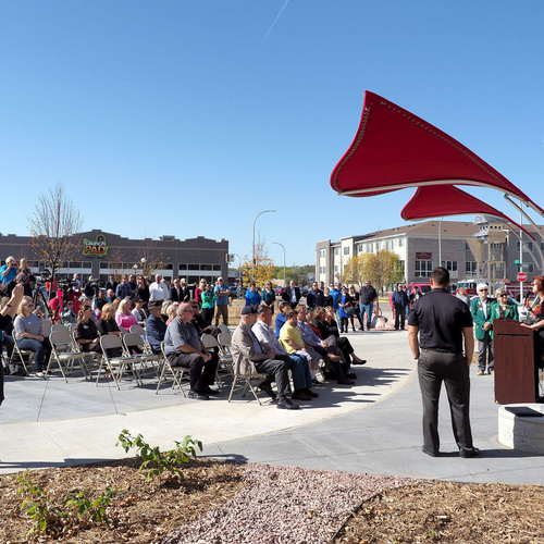 On October 19, 2017 the City of Sioux City dedicated a new downtown urban green space, Pearl Street Park.